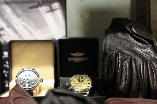 High-end watches and gloves