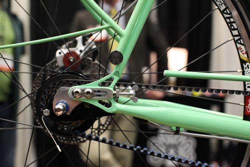 Paragon sliders, disk brakes, with service aided by the single-sided fender strut.