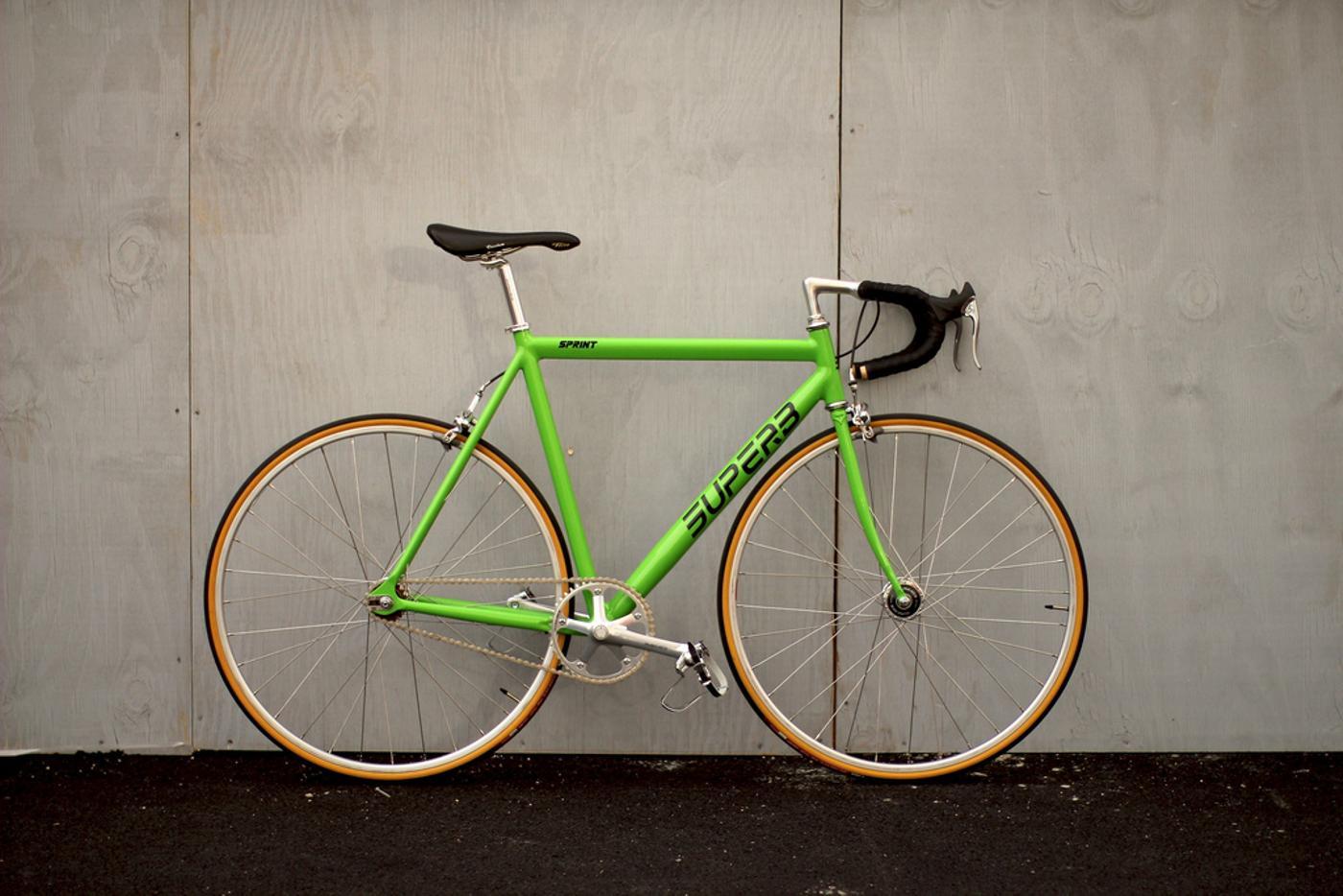 Superb: Antonio's Special Edition Kawasaki Green Superb Sprint