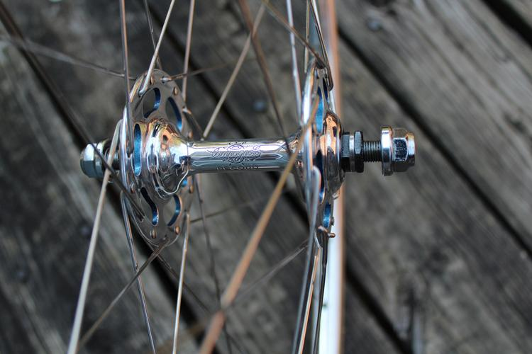Bishop Bikes: Campagnolo Pista Hubs Painted by Fresh Frame