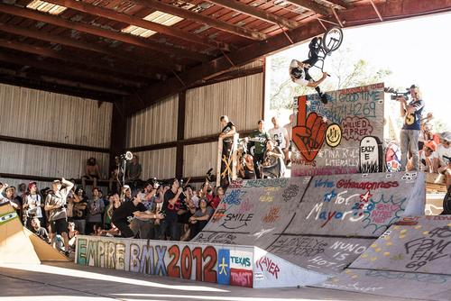 Greg Illingworth, fastplant at the top of the Empire in-and-out obstacle