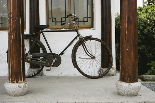A common Chinese bicycle.
