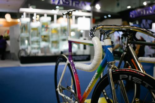 More crazy paint jobs (and only one or two track bikes).