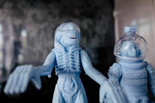 Super 7 re-issue of a cancelled Alien figure set.