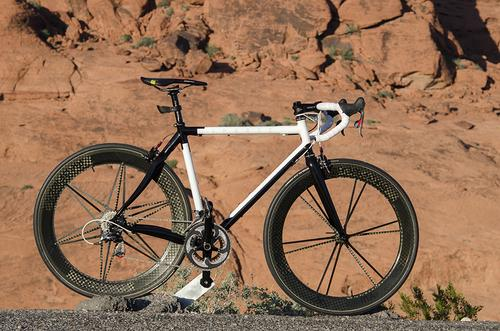 Guest Gallery: Joshua's Sparse-Edition Icarus Steel and Carbon Road