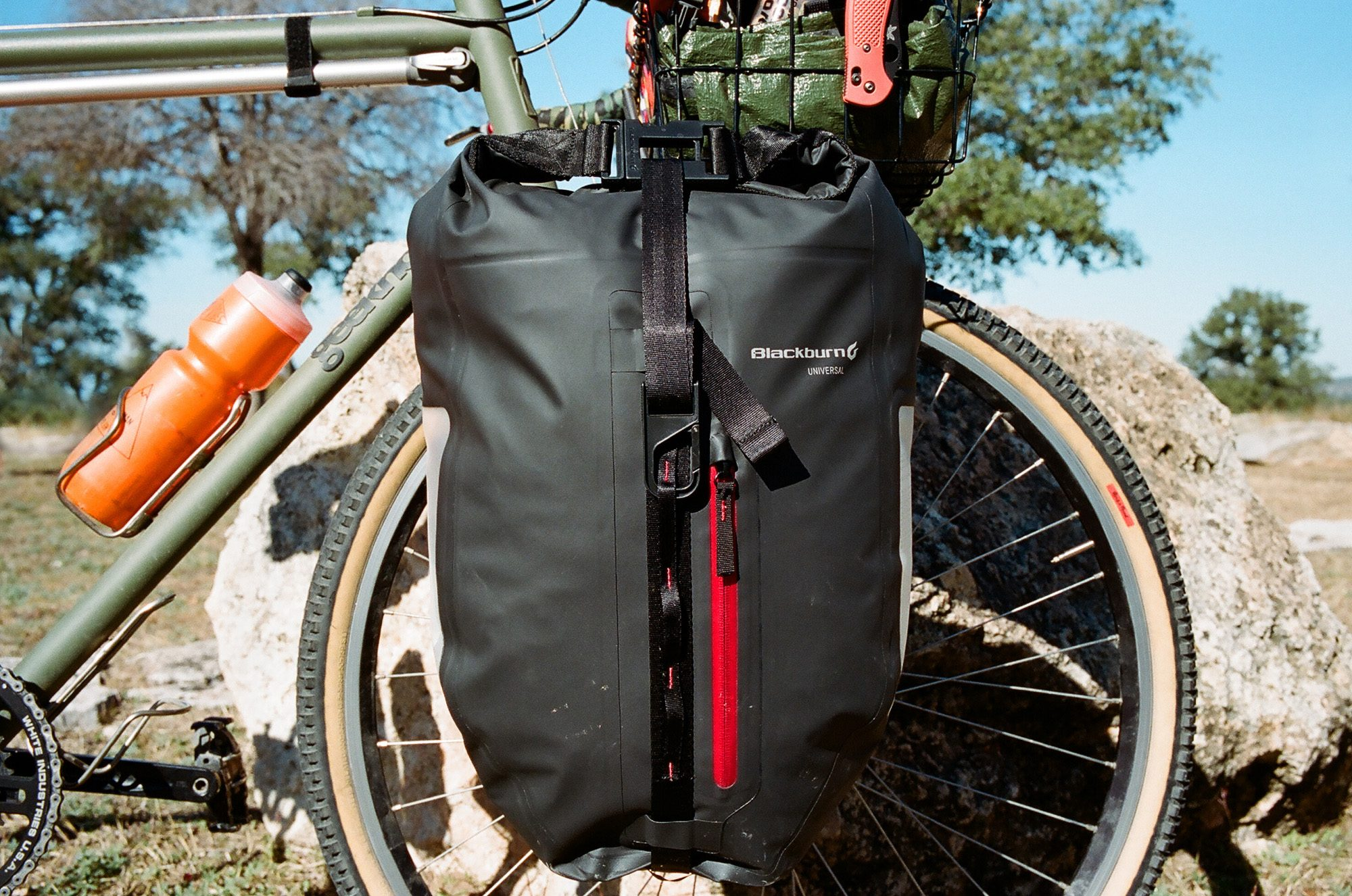 Blackburn_Panniers-2