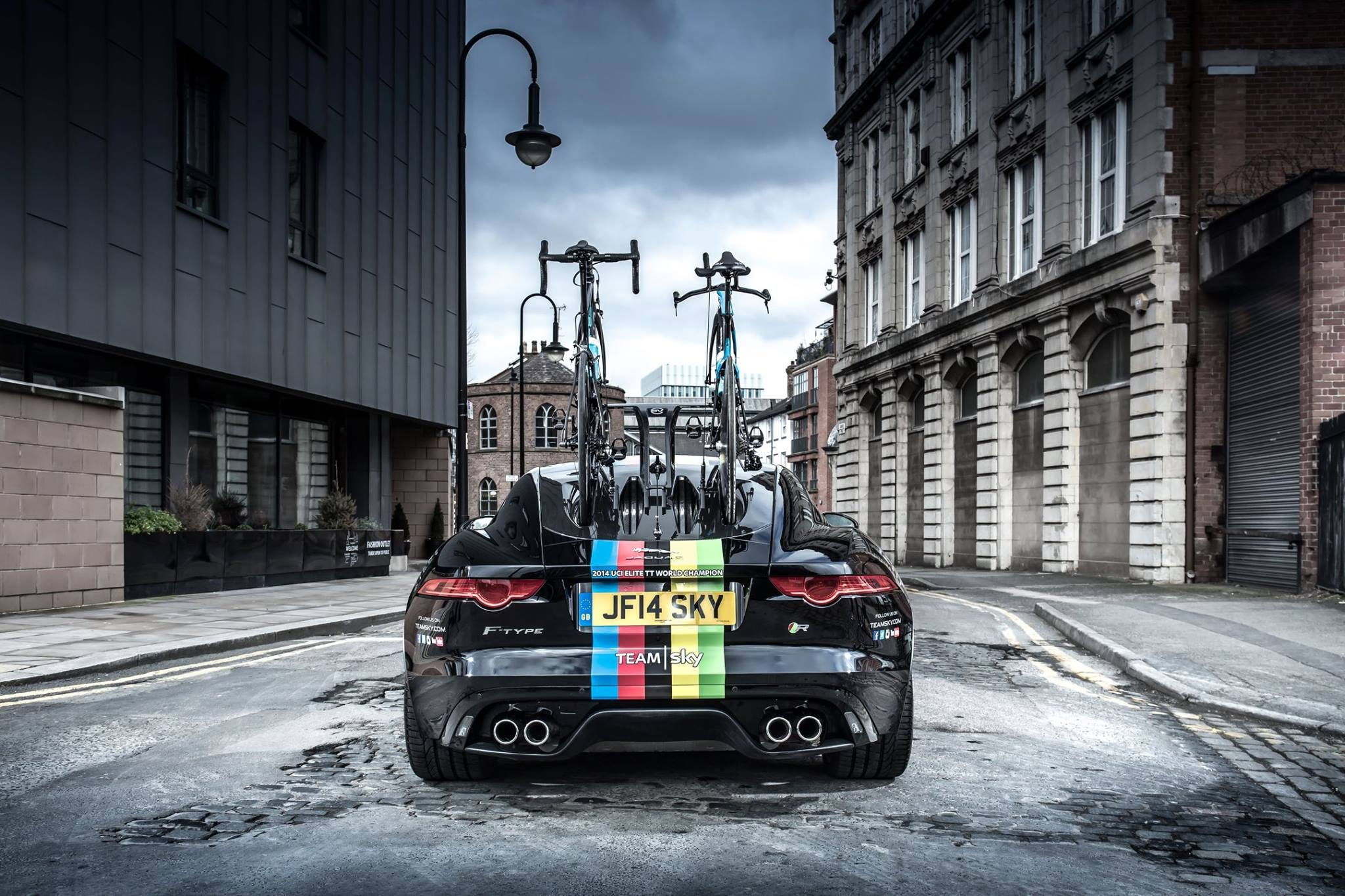 Jaguar_TeamSky-01
