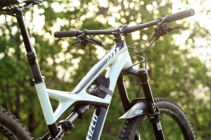 Futurism and the Specialized Enduro Expert Carbon 29