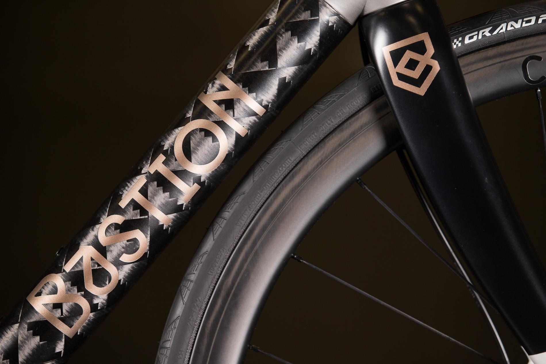 2016 NAHBS: Bastion Cycles 3D Printed Ti and Carbon Road