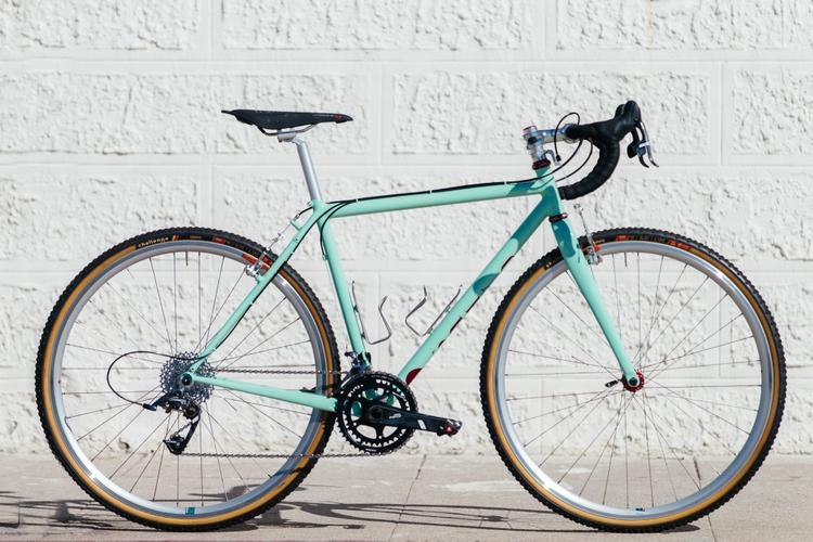 Golden Saddle Rides: One Minty Fresh Icarus 'Cross Bike