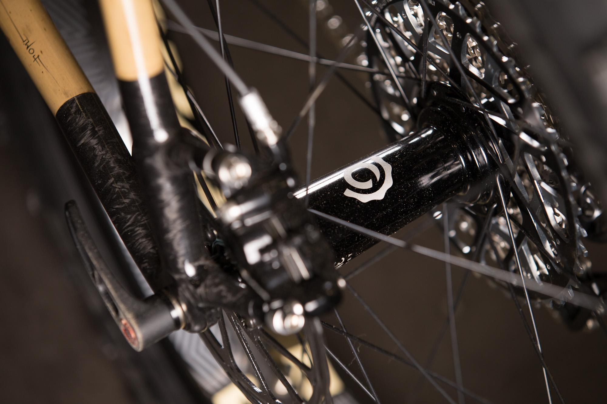 2016 NAHBS: Boo Bicycles SL-F Carbon Fatty with a Carbonara Lauf Fork