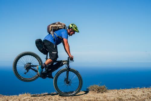 Uphill stoppie