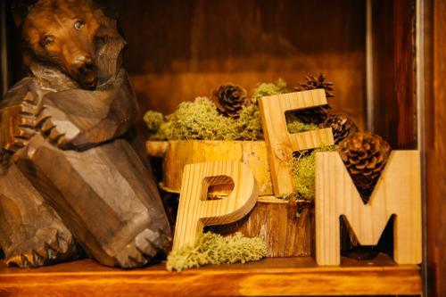 Pine Fields Market