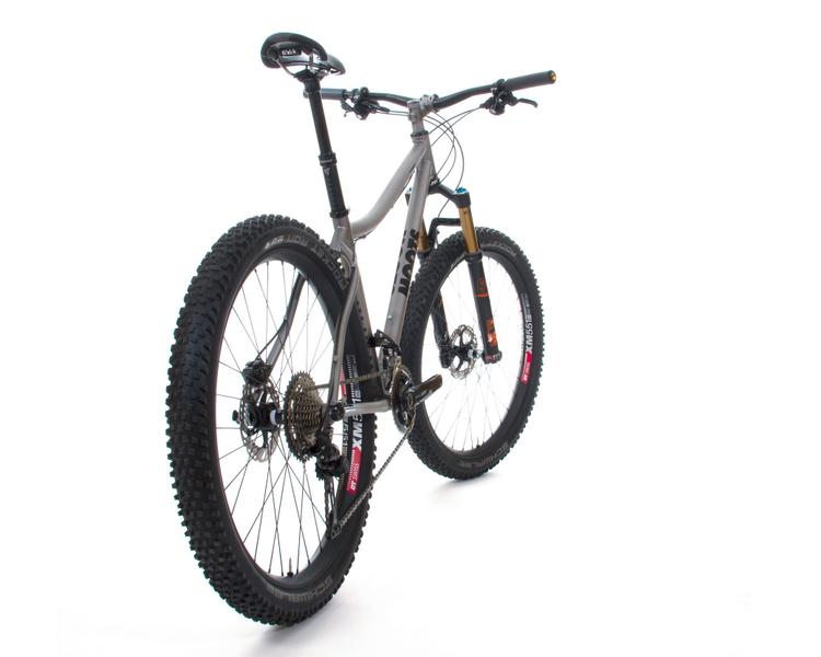 Moots: Farwell 27.5+ or 29'r Hardtail