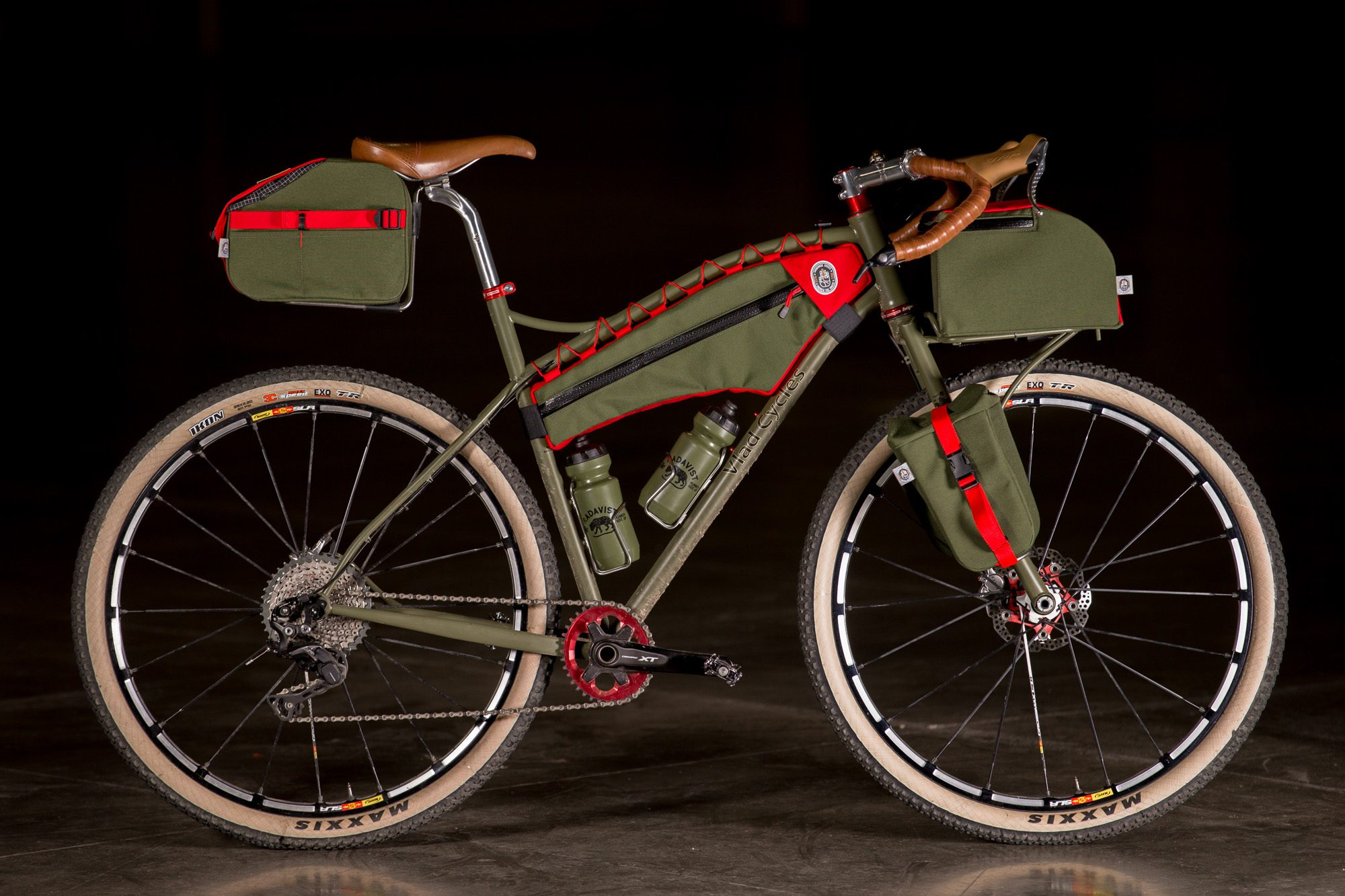 2017 Nahbs Vlad Cycles Dirt Tourer With Andrew The Maker Bags
