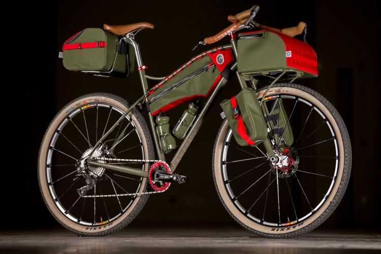 2017 NAHBS: Vlad Cycles Dirt Tourer with Andrew the Maker Bags
