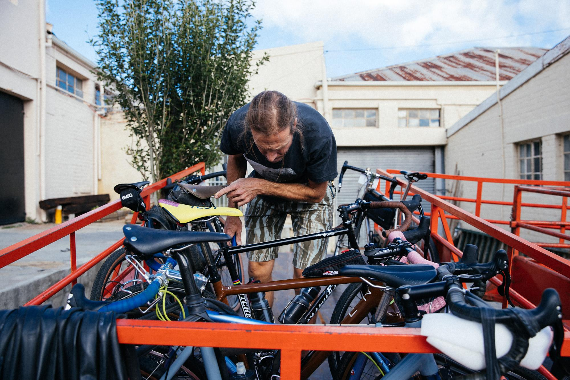 Rolf, packing the bikes.