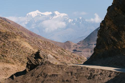 Illimani truly looms over the vast majority of this route.