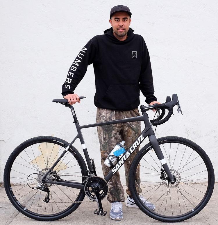Eric Koston Rides a Santa Cruz Stigmata