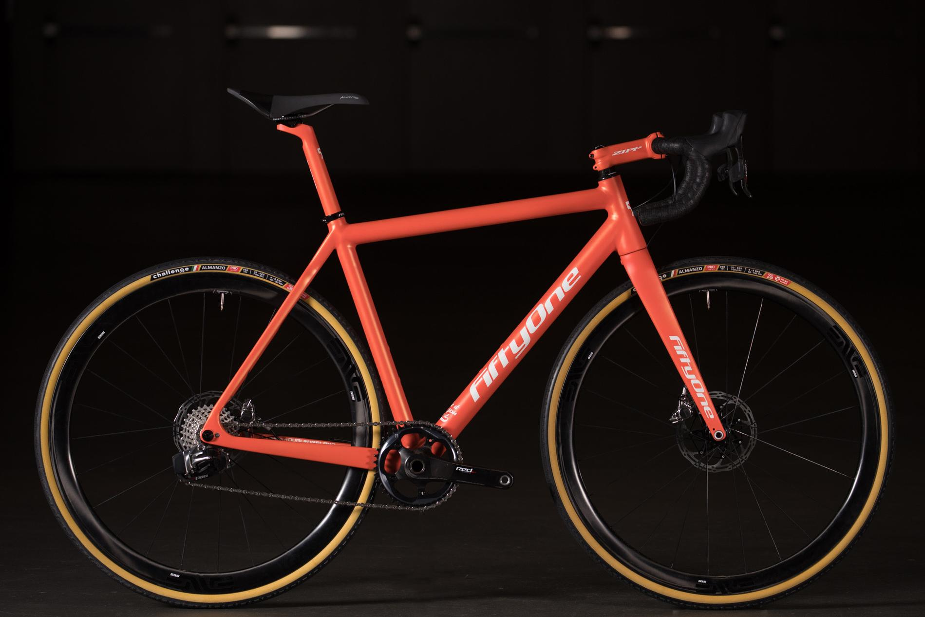2018 NAHBS: Dublin-Made Fifty One Carbon Road