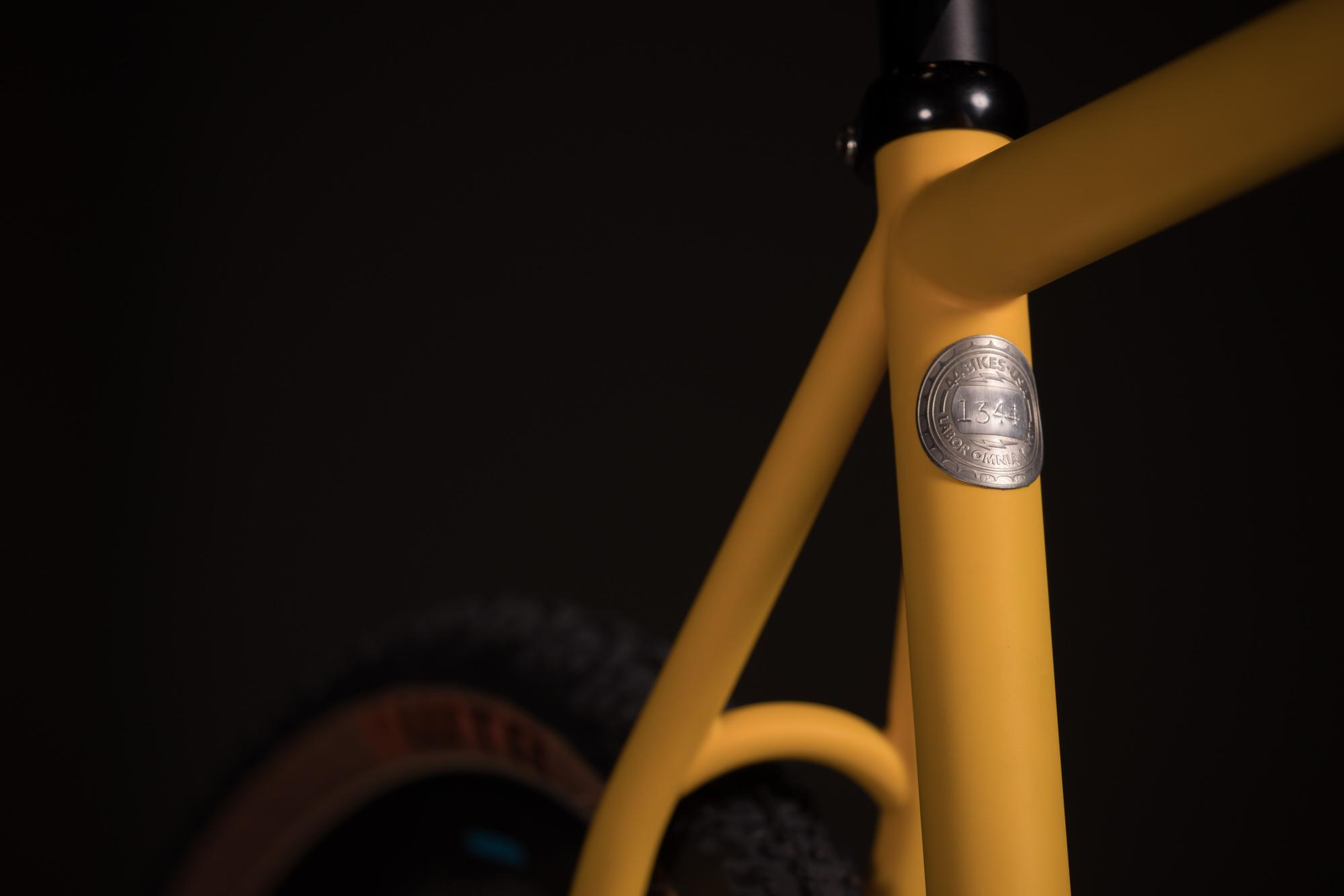 2018 NAHBS: Forty Four Huntsman with Hot Tubes Paint