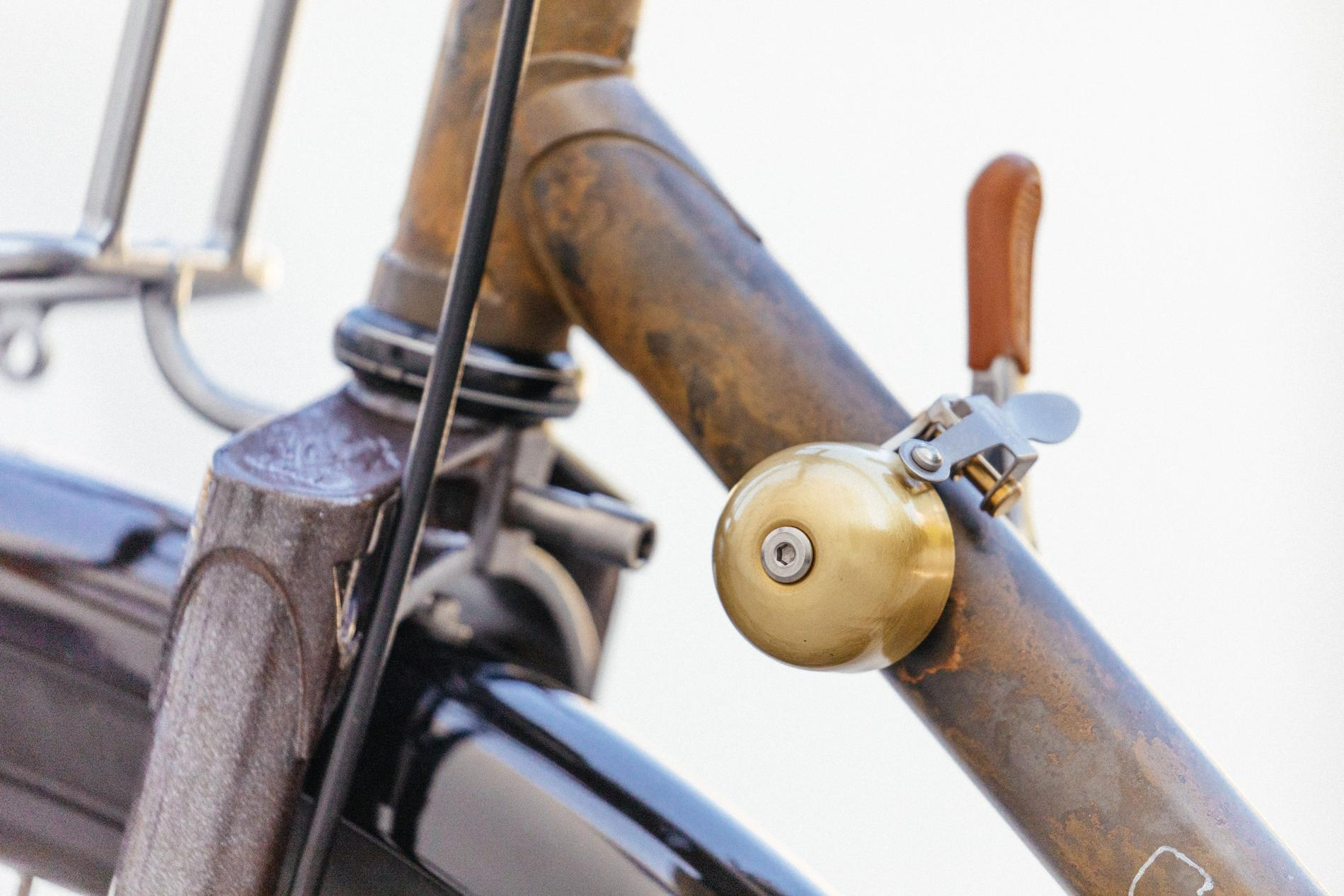 Golden Saddle Rides: Scott's Stripped and Raw Crust Bikes Romanceur