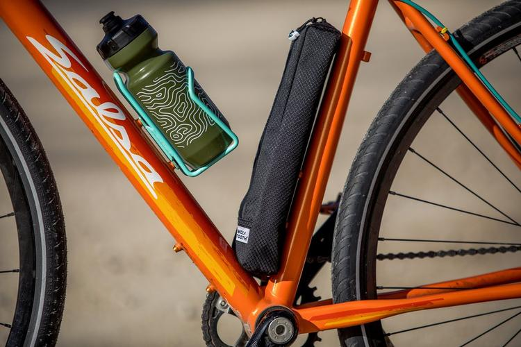 Wolf Tooth's B-RAD Pump and Other Stuff Bag