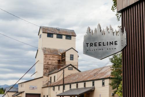 Feeling a bit sleepy, I refueled with a cold brew from Treeline