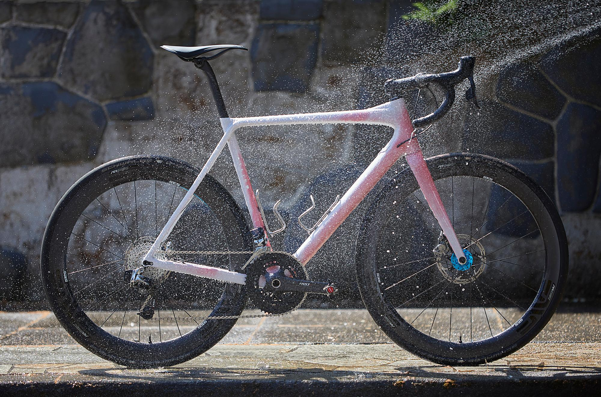 Richard Pool's Allied Alfa Disc Allroad with Hypercolor!