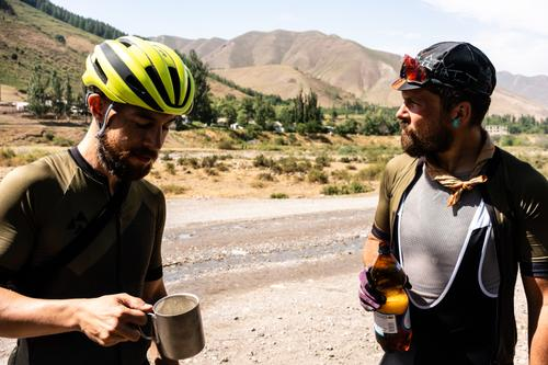 Justin and Jon take a beer break before attacking the Kegety Pass