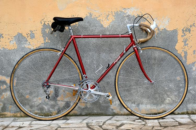 Mattia from Legor Cicli Made this Beautiful Paganotti Classic Road – Kyle Kelley