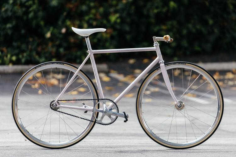 The Cub House Bike Show and Swap: Sleek and Minimal Makino Fixed Gear