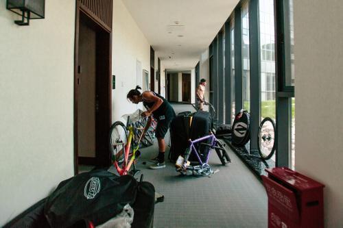 Hotel Bike Build