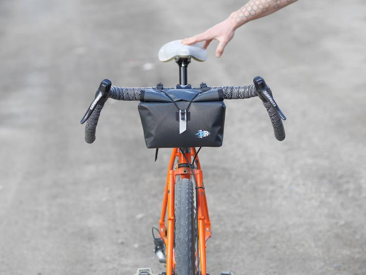 Porcelain Rocket Redesigns the Nigel Handlebar Bag