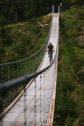 Nico crossing the bridge (Spencer Harding)