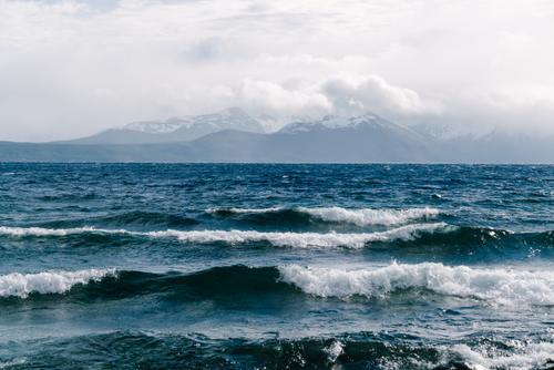 Waves on Lago General Vintter