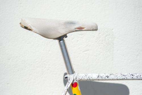 Brian Baylis Painted this Insane Splatter Two-Tone Holland Track Bike