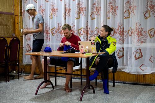 Jeff Liu and volunteers at checkpoint three. (Rugile Kaladyte)