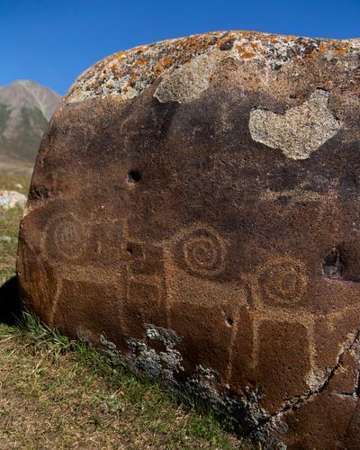 Petroglyphs in Kyrgyzstan. (Rugile Kaladyte)