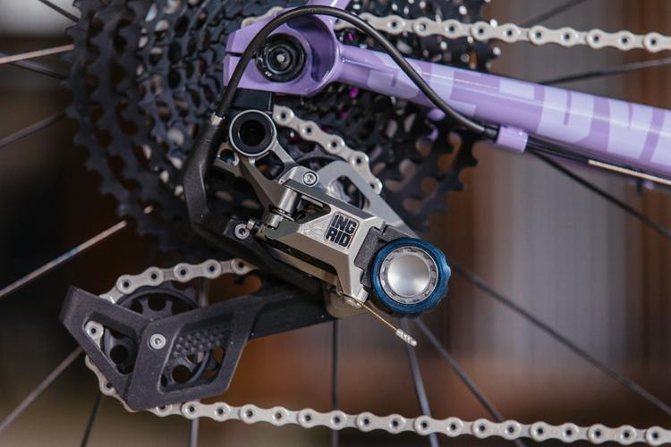 A First Look at Ingrid Component's Made in Italy Derailleur and Shifter