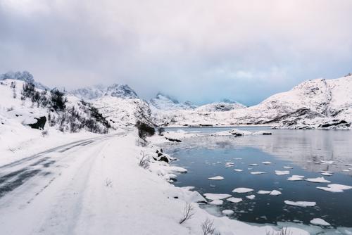 Rounding the fjord toward the peninsula