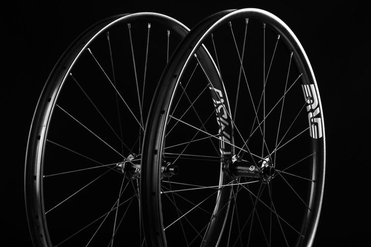 ENVE's New Foundation Wheels are a Second-Tier $1,600 Made in the USA Wheelset with External Nipples