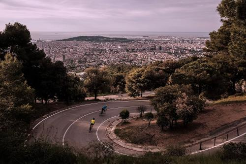Swooping hairpins off the south west summit of Tibidabo.