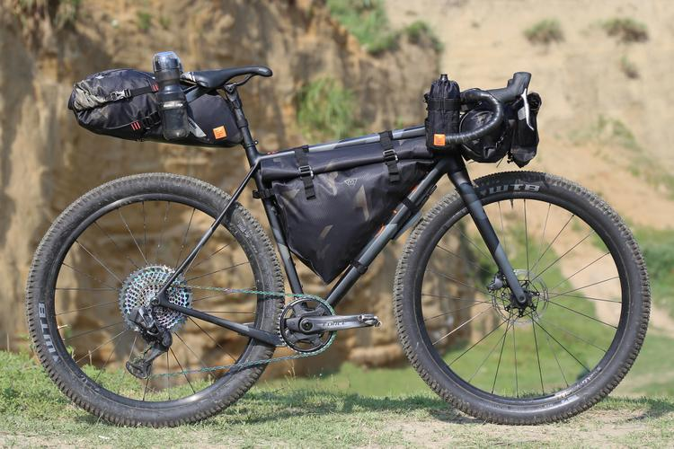 OPEN WI.DE. X WOHO CYBER-CAMO Xtouring Bags Dream Build