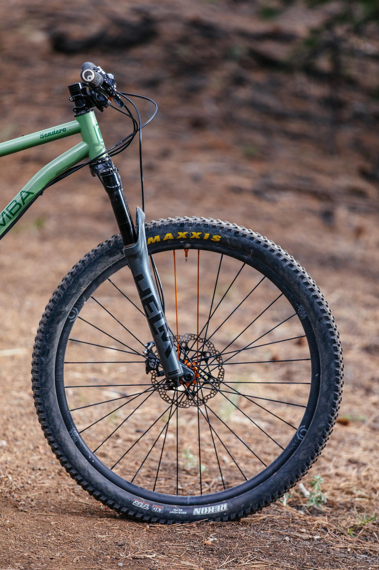 Chunder and Chamisa on the Chumba Senduro 29er Hardtail