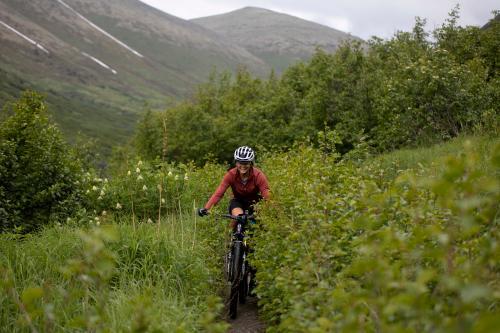Lael Wilcox on DevilÕs Creek Trail. (Rugile Kaladyte)