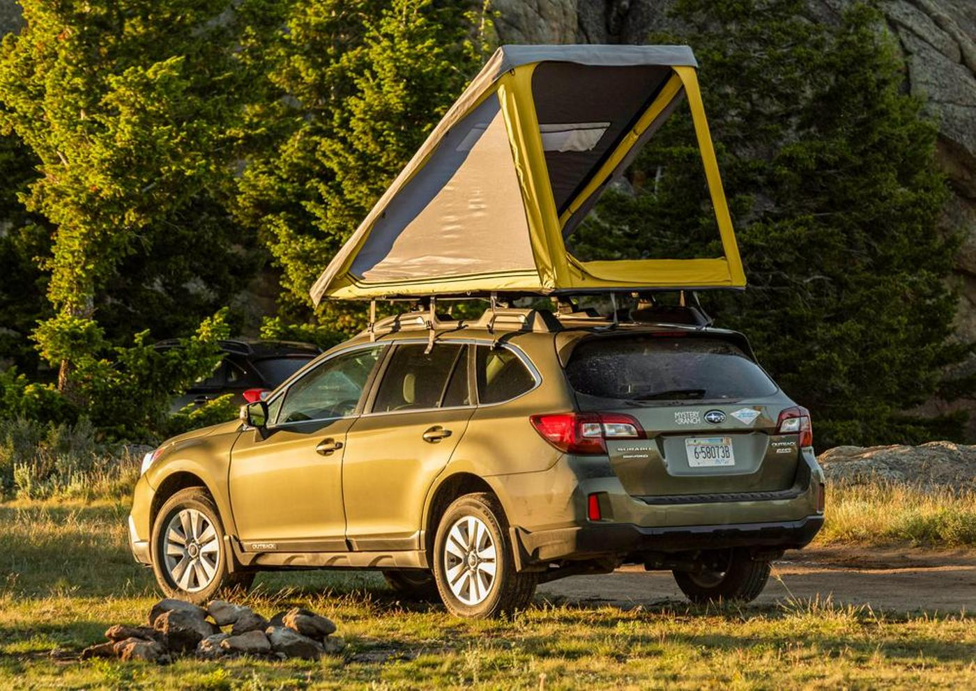 Go Fast Camper's New SuperLite Hard Shell Roof Top Tent