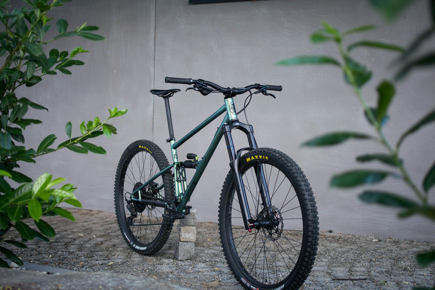 Readers' Rides: Jakub's Self-Built Steel Full Suspension MTB from the Czech Republic