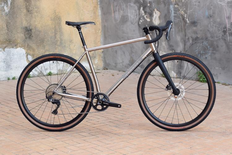 The Nordest Super Albarda Ti Gravel Bike Is Long and Slack