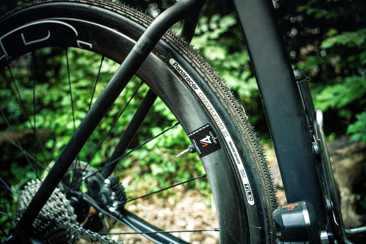 A Review of the New Panaracer GravelKing SS Tire